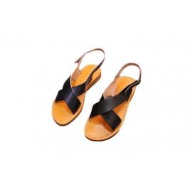 Women's crossover sandal