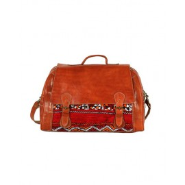 Genuine leather travel bag with red kilim
